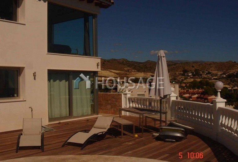 6 bed villa for sale in El-Campello, Spain, 400 m² - photo 4