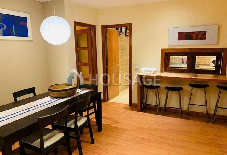 3 bed flat for sale in Eixample, Barcelona, Spain, 100 m² - photo 4
