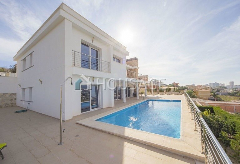 4 bed villa for sale in Calpe, Spain, 324 m² - photo 4