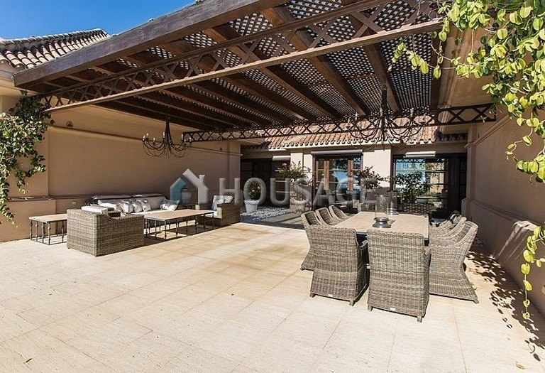Villa for sale in Nueva Andalucia, Marbella, Spain, 992 m² - photo 15