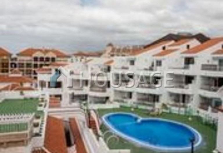 2 bed apartment for sale in Arona, Spain - photo 2