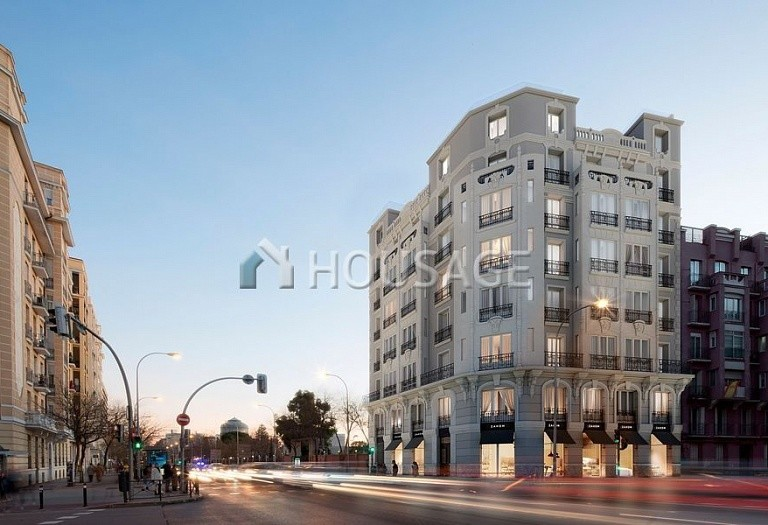 3 bed flat for sale in Madrid, Spain, 133 m² - photo 2