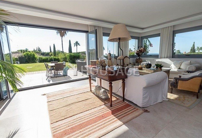 Villa for sale in Las Chapas, Marbella, Spain, 395 m² - photo 7