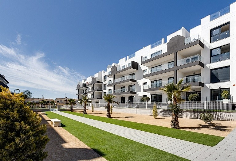 2 bed flat for sale in San Miguel de Salinas, Spain, 73 m² - photo 2