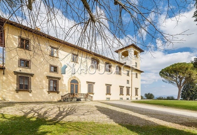 9 bed villa for sale in Florence, Italy, 2800 m² - photo 47