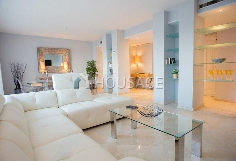Flat for sale in Rio Real, Marbella, Spain, 282 m² - photo 3