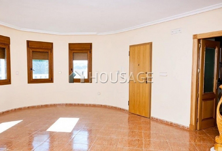 3 bed villa for sale in Torrevieja, Spain, 106 m² - photo 2