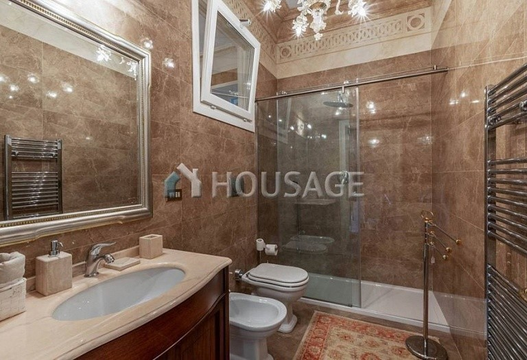 3 bed flat for sale in Rome, Italy, 200 m² - photo 16