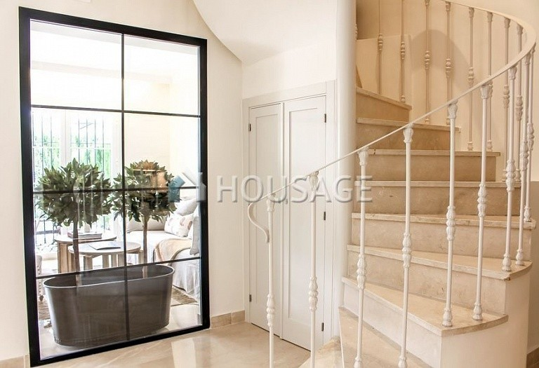 Townhouse for sale in Nueva Andalucia, Marbella, Spain, 263 m² - photo 3