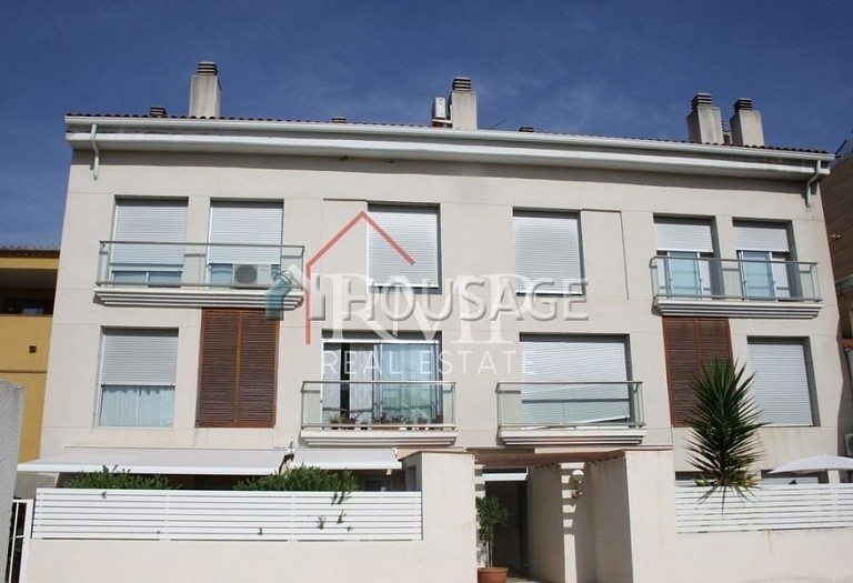 3 bed flat for sale in Sant Andreu de Llavaneres, Spain, 90 m² - photo 1