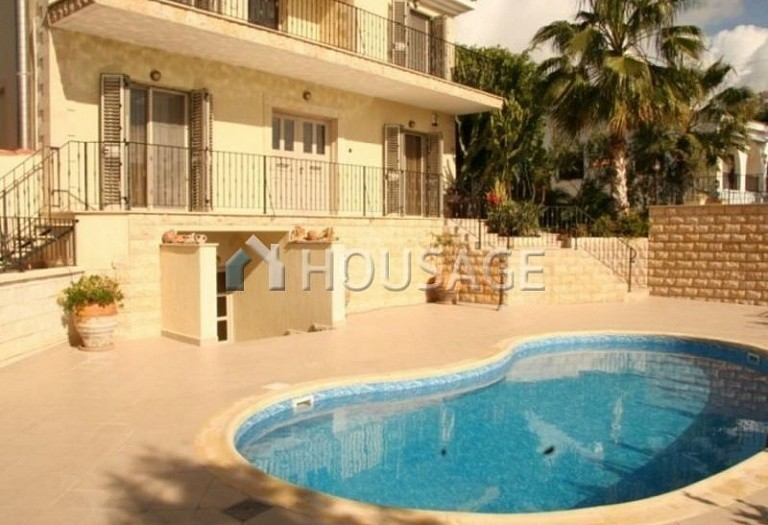 4 bed villa for sale in Coral Bay, Pafos, Cyprus, 200 m² - photo 2