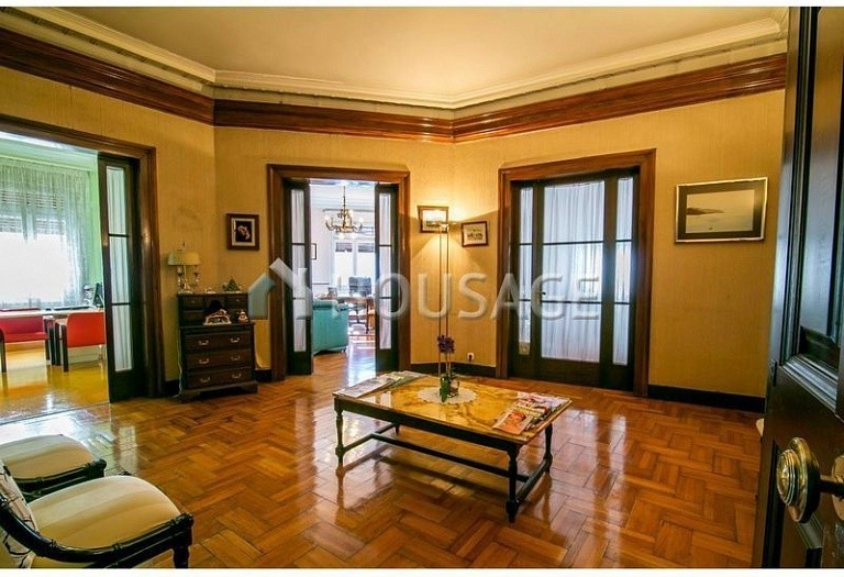 10 bed flat for sale in Barcelona, Spain, 425 m² - photo 3