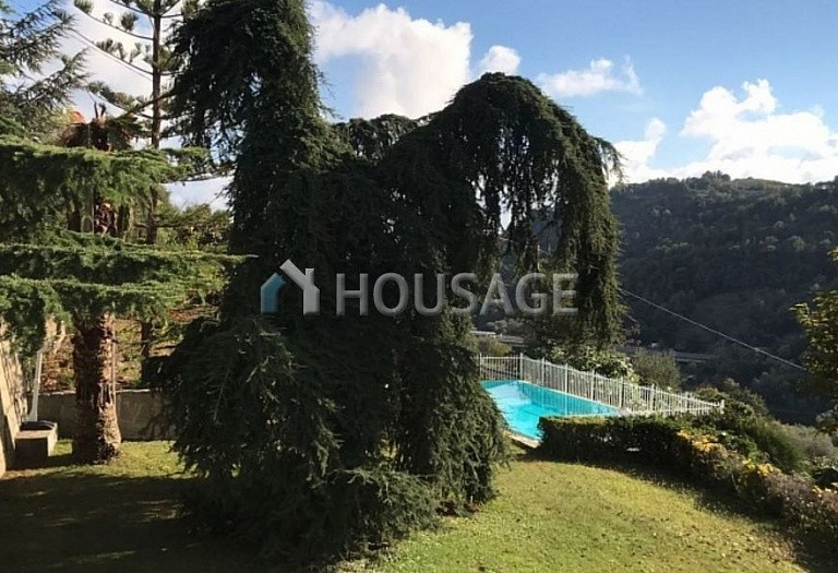 6 bed villa for sale in Castellaro, Italy, 240 m² - photo 1