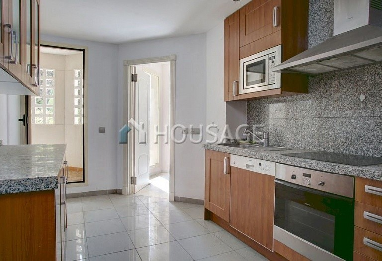 Apartment for sale in Nueva Andalucia, Marbella, Spain, 151 m² - photo 4