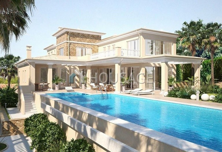 6 bed villa for sale in Calpe, Calpe, Spain, 700 m² - photo 1