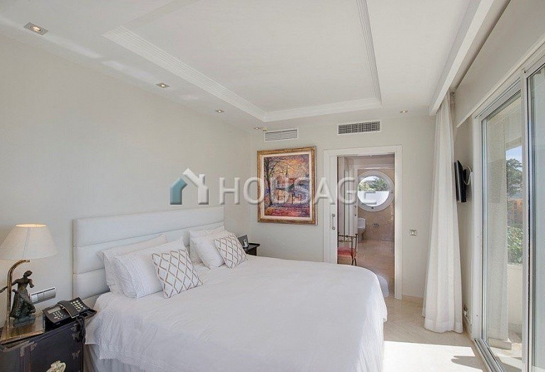 Flat for sale in Los Granados Playa, Estepona, Spain, 595 m² - photo 6