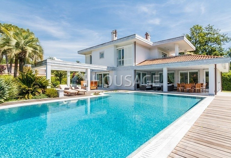 6 bed villa for sale in Forte dei Marmi, Italy, 560 m² - photo 50