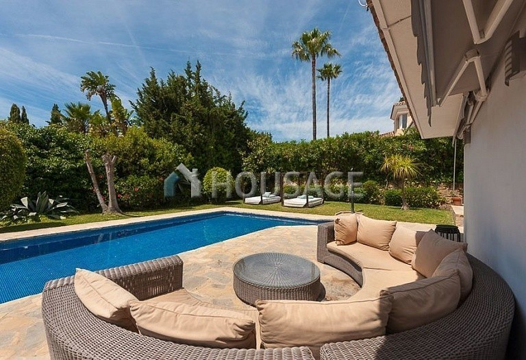 Villa for sale in El Rosario, Marbella, Spain, 246 m² - photo 8