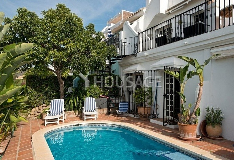 Townhouse for sale in Nueva Andalucia, Marbella, Spain, 200 m² - photo 1