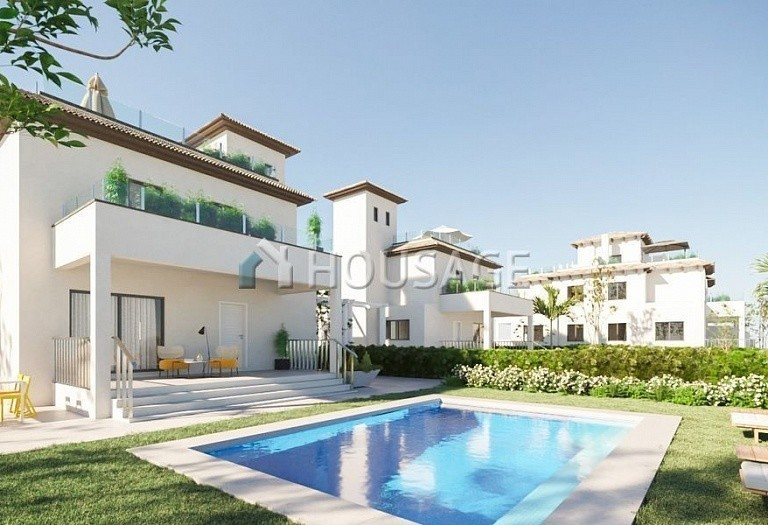 3 bed villa for sale in La-Marina, Spain, 187 m² - photo 1