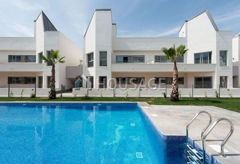 3 bed a house for sale in Torrevieja, Spain, 106 m² - photo 2