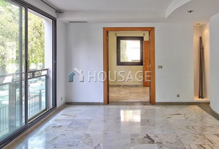 Apartment for sale in Marbella, Spain, 211 m² - photo 4