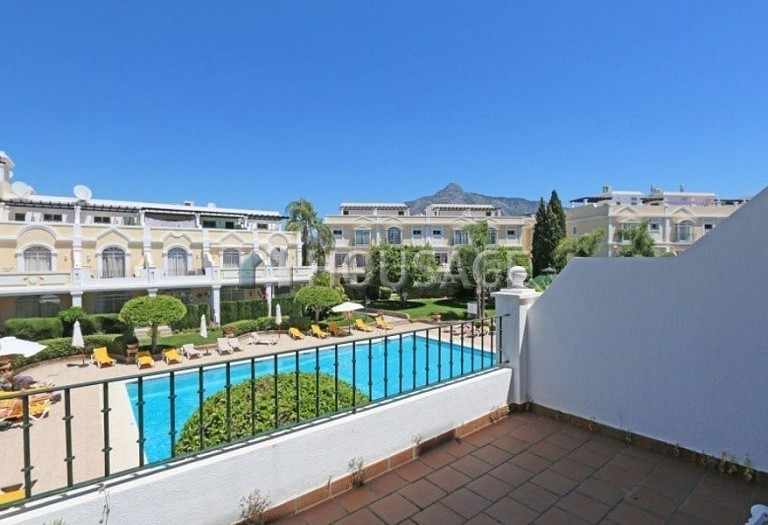 Flat for sale in Nueva Andalucia, Marbella, Spain, 157 m² - photo 1