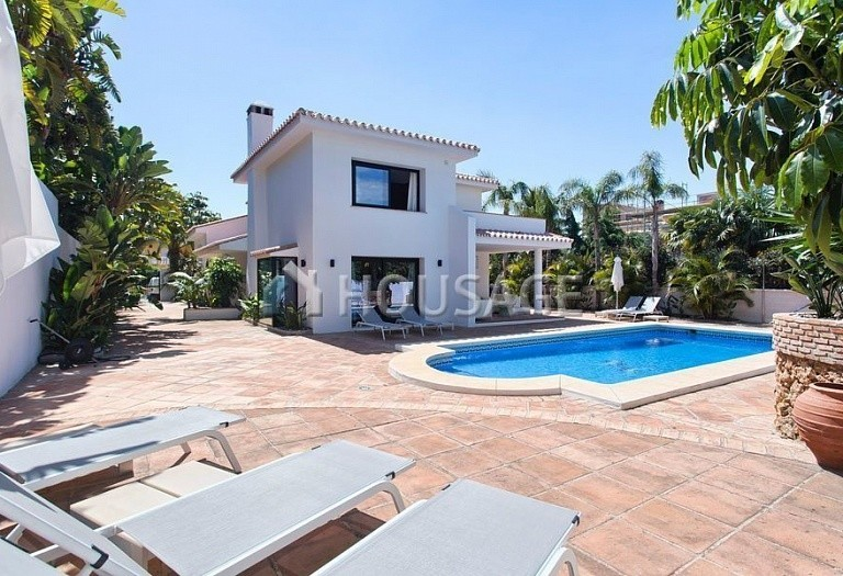 Villa for sale in Los Monteros, Marbella, Spain, 511 m² - photo 1