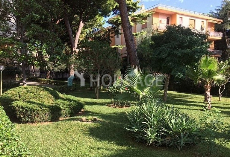 1 bed apartment for sale in Bordighera, Italy, 65 m² - photo 1