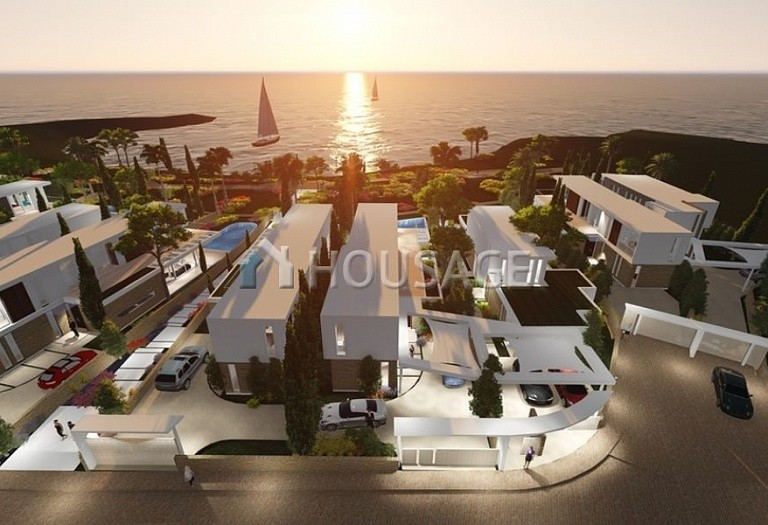 4 bed villa for sale in Coral Bay, Pafos, Cyprus - photo 16