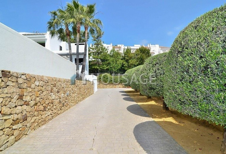 Villa for sale in Nueva Andalucia, Marbella, Spain, 401 m² - photo 6