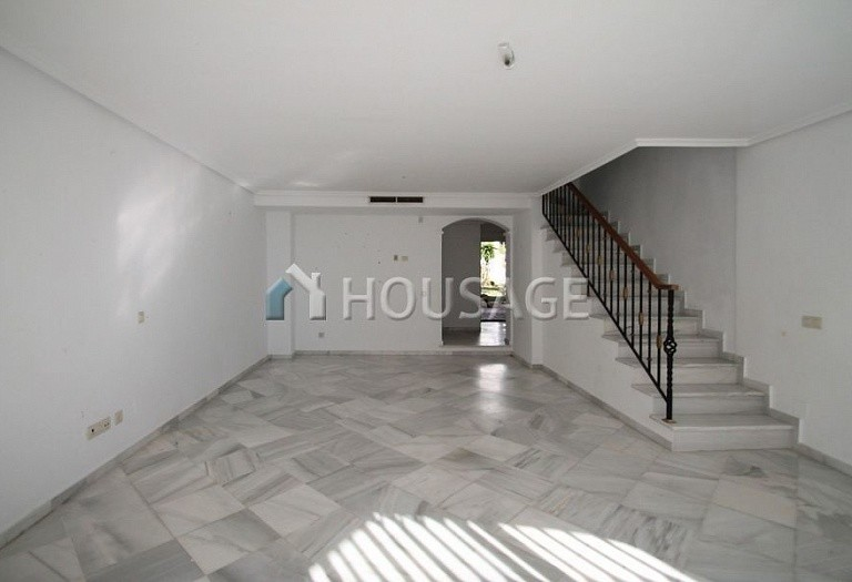 Townhouse for sale in Marbella Golden Mile, Marbella, Spain, 377 m² - photo 8