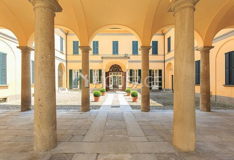 Villa for sale in Milan, Italy, 8000 m² - photo 41