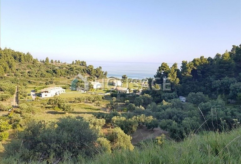 Land for sale in Nea Skioni, Kassandra, Greece - photo 1