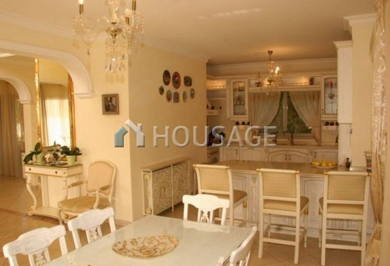 4 bed villa for sale in Coral Bay, Pafos, Cyprus, 200 m² - photo 4