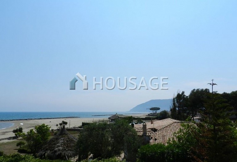 6 bed villa for sale in San Felice Circeo, Italy, 400 m² - photo 4