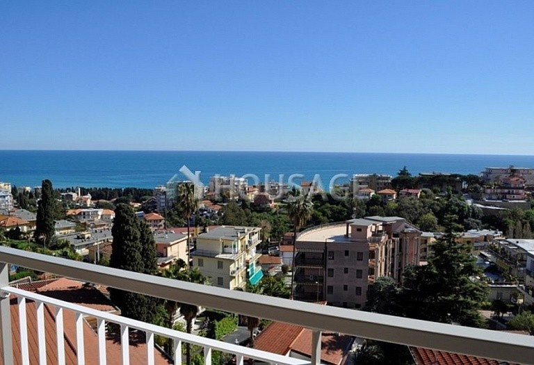 1 bed apartment for sale in Sanremo, Italy, 70 m² - photo 1