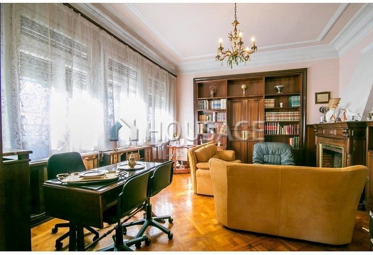 10 bed flat for sale in Barcelona, Spain, 425 m² - photo 5