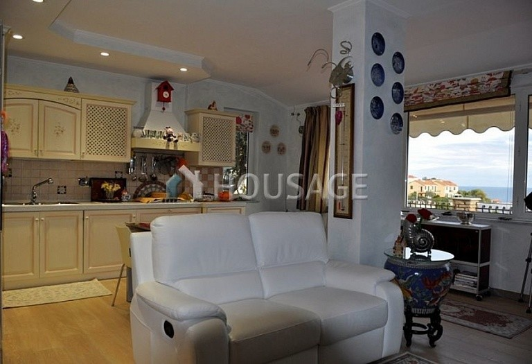 4 bed villa for sale in Cipressa, Italy, 210 m² - photo 9