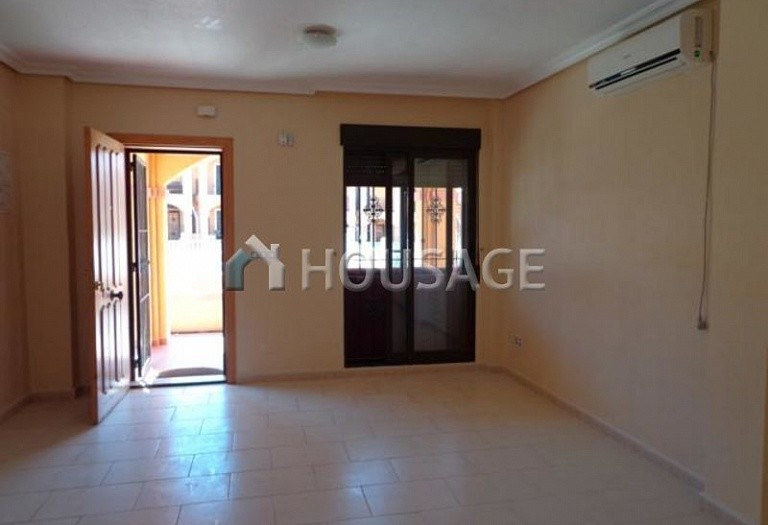 2 bed villa for sale in Torrevieja, Spain - photo 2