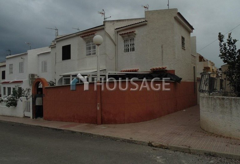 2 bed villa for sale in Torrevieja, Spain, 70 m² - photo 1