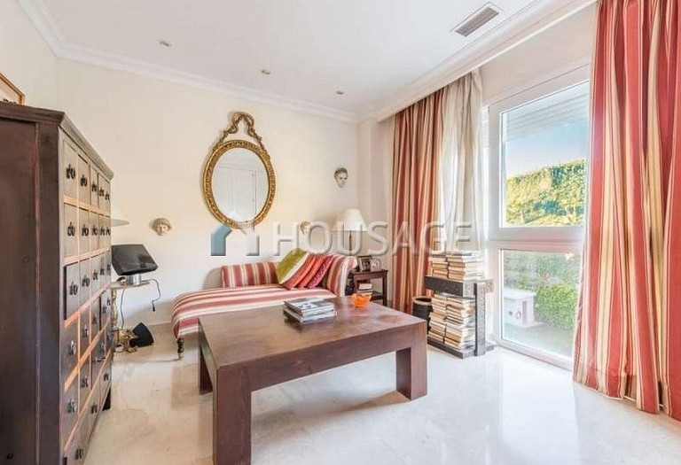Apartment for sale in Nueva Andalucia, Marbella, Spain, 127 m² - photo 4