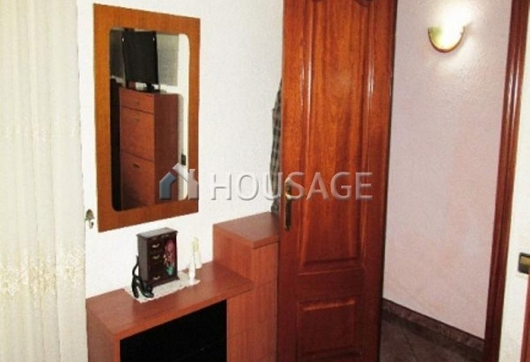 4 bed flat for sale in Hospitalet, Spain, 97 m² - photo 12