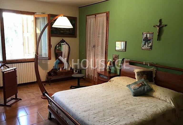 6 bed villa for sale in Castellaro, Italy, 240 m² - photo 7