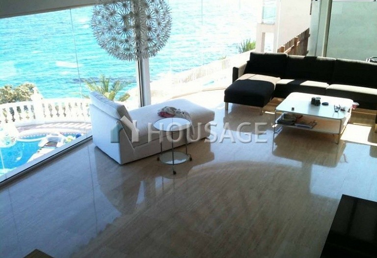 6 bed villa for sale in El-Campello, Spain, 400 m² - photo 3