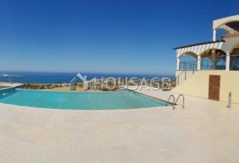 6 bed villa for sale in Kissonerga, Pafos, Cyprus, 440 m² - photo 2