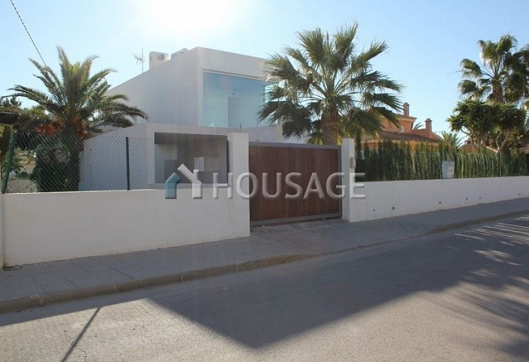 4 bed villa for sale in Orihuela Costa, Spain - photo 9
