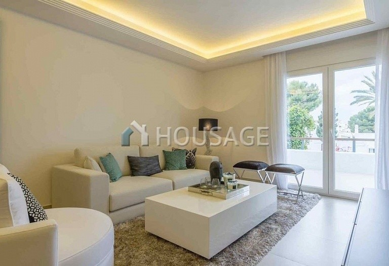 Townhouse for sale in Nueva Andalucia, Marbella, Spain, 134 m² - photo 4