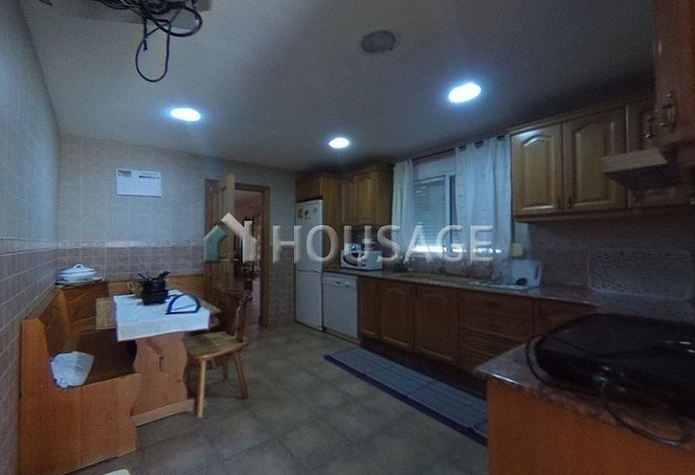 4 bed a house for sale in Vilamarxant, Spain, 180 m² - photo 8