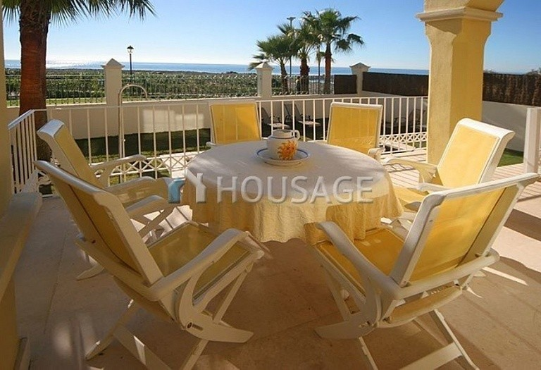 Townhouse for sale in Nueva Andalucia, Marbella, Spain, 400 m² - photo 2